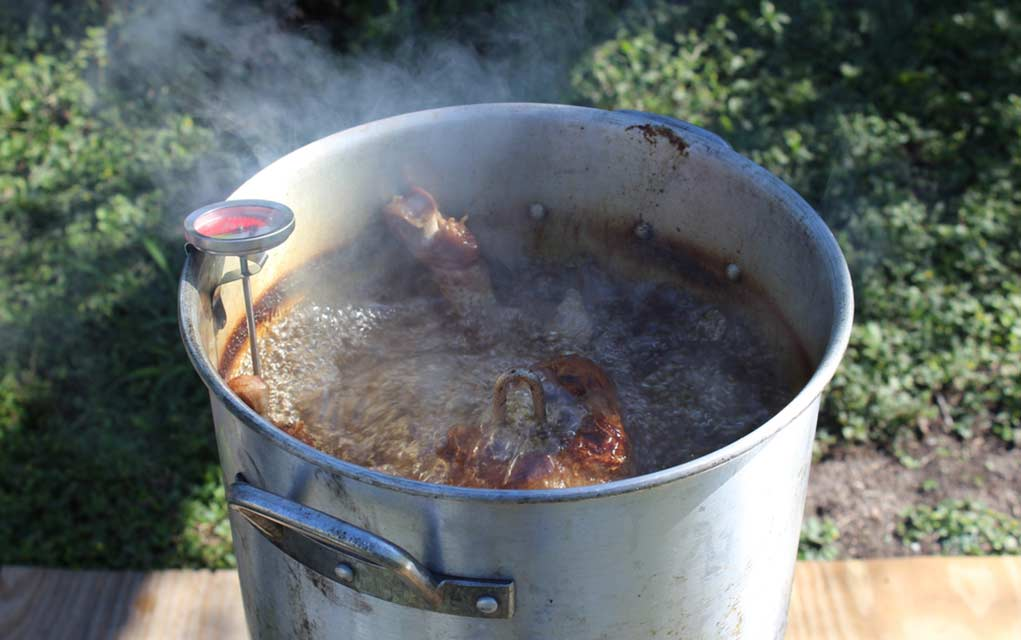 Dangers Associated With Deep Frying a Turkey