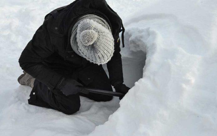 Winter-Survival-Emergency-Snow-Shelter