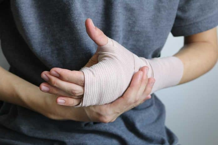 Treating Knife Wounds in a Survival Situation